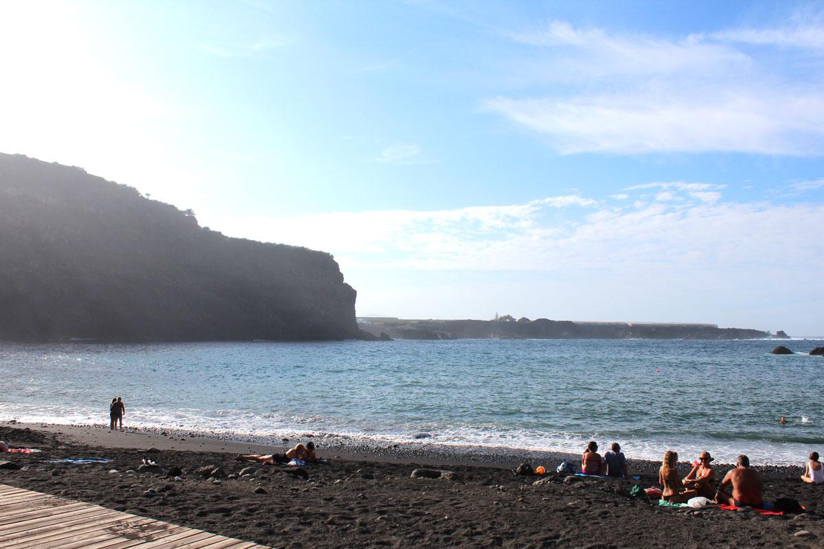 Der Strand Playa San Marcos auf Teneriffa.